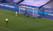VIDEO: Christian Fuchs mit Billard-Eigentor gegen Arsenal