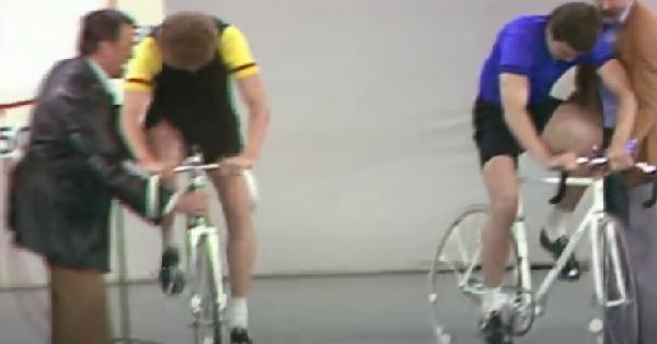 VIDEO: Hans Krankl und Herbert Prohsaka liefern sich Derby auf Fahrrad